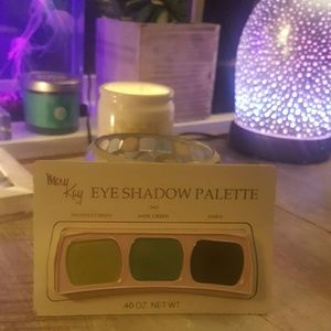 Mary Kay Eye Shadow Palette sealed